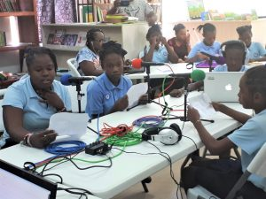 En Haïti, au lycée bilingue Jean-Baptiste Pointe du Sable
